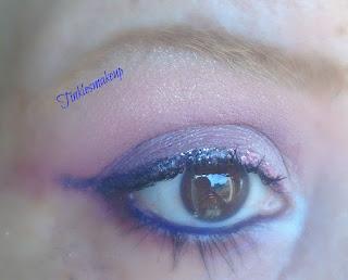 eye_makeup_look_glittery_gradient_liner