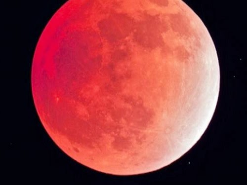 Gerhana bulan merah (ilustrasi)