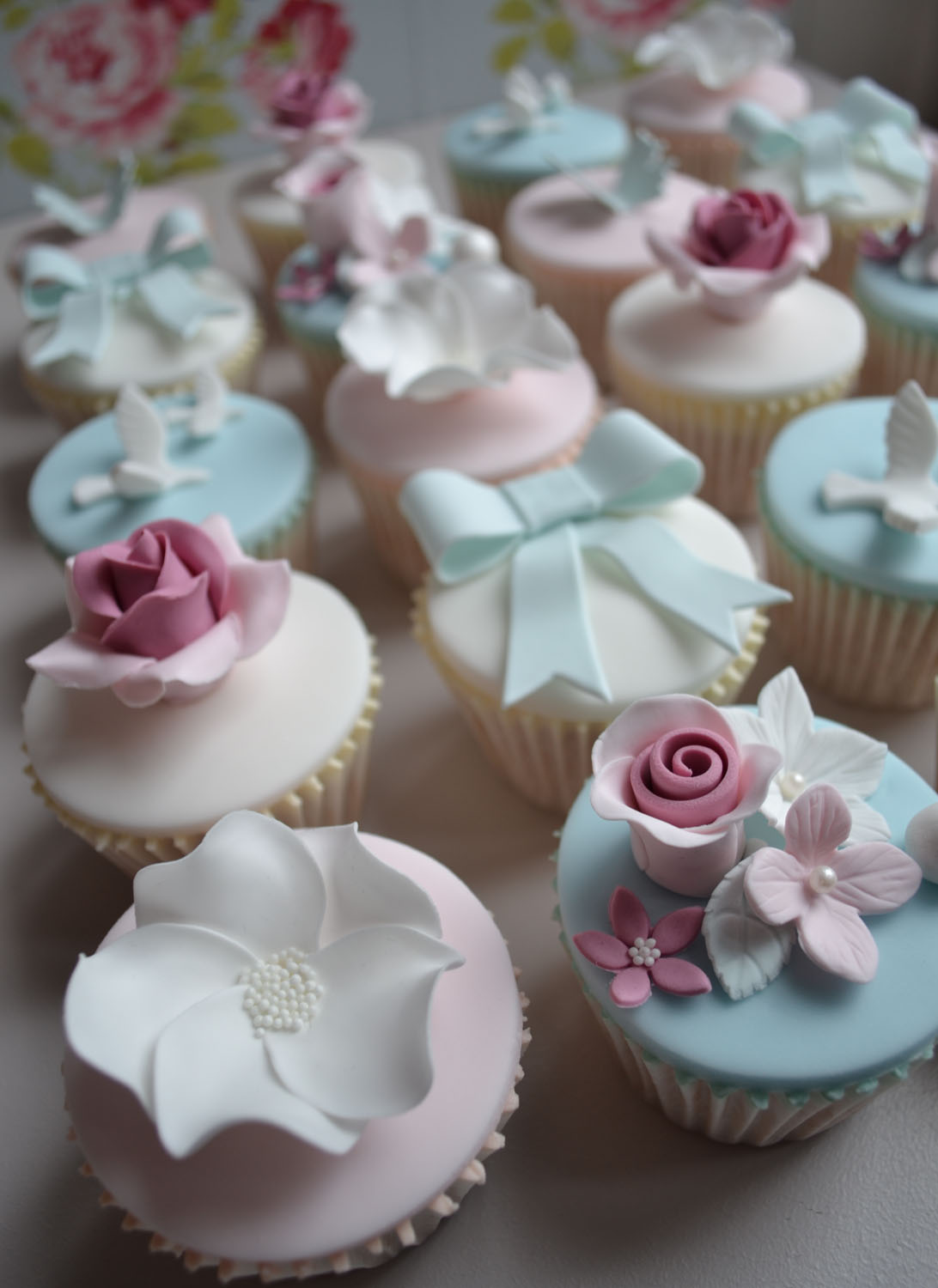 Little Paper Cakes Beautiful Vintage Cupcakes