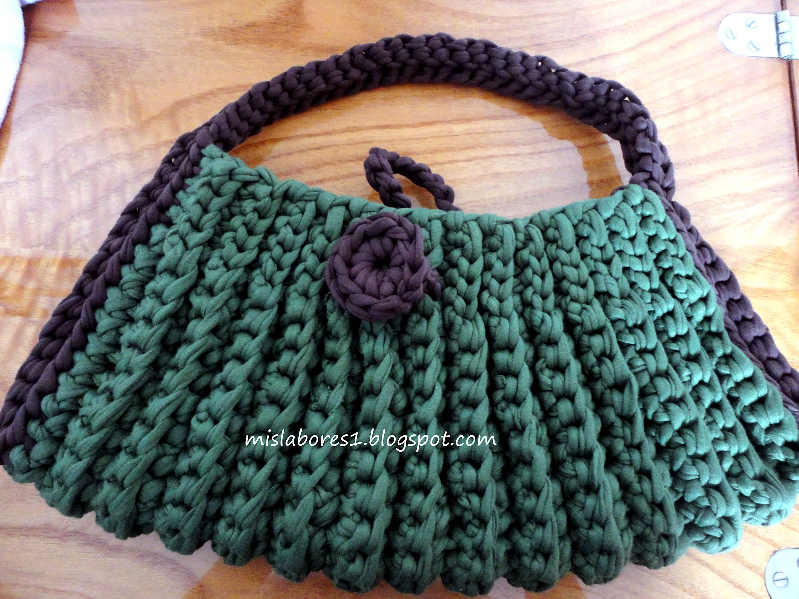 Mis labores bolso de trapillo 2 - Como hacer un bolso de trapillo ...
