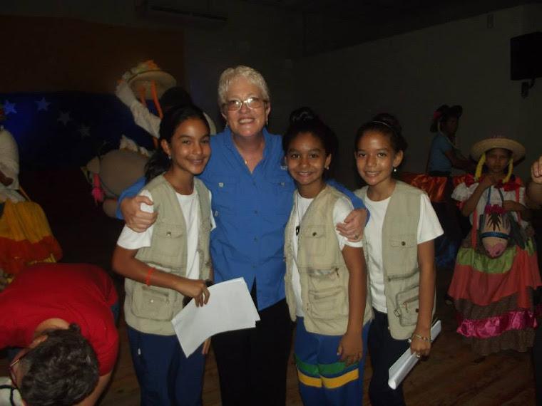 CON LA PROFESORA SORAYA VICEMINISTRA DE EDUCACION