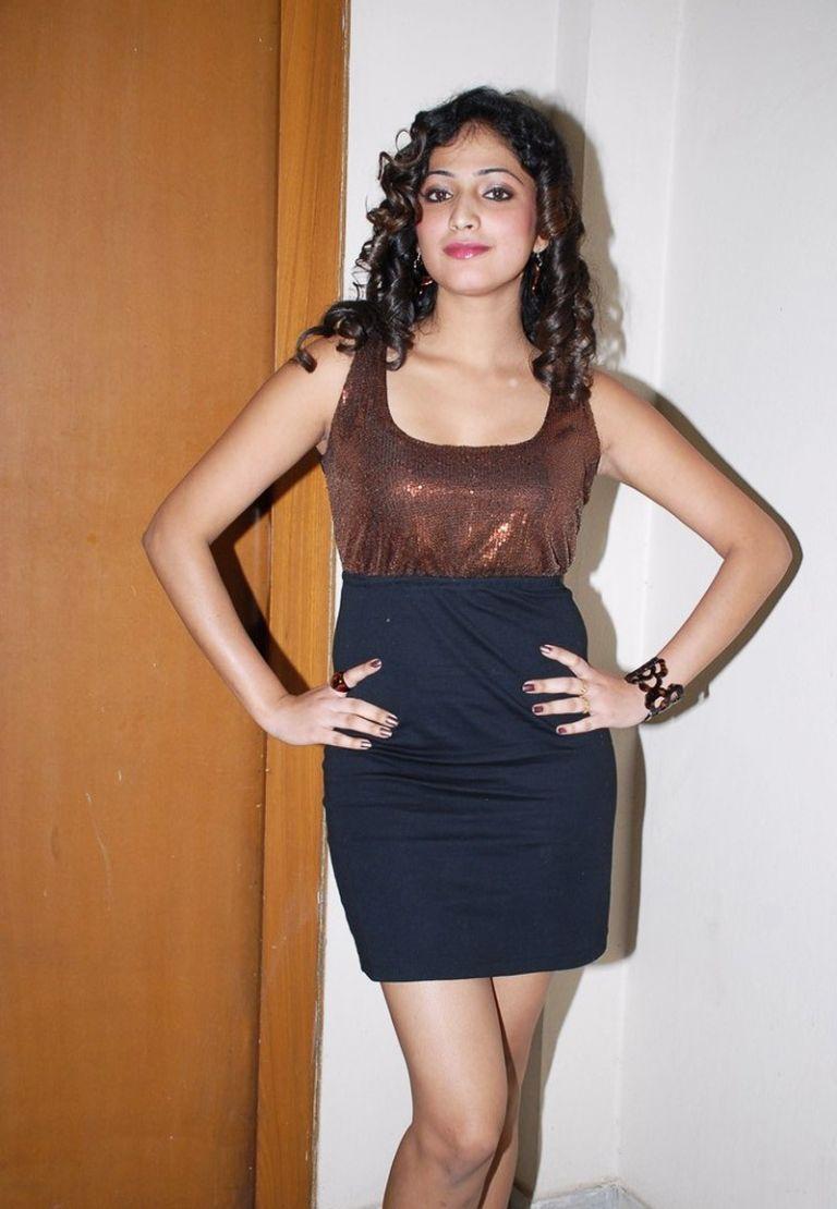 Haripriya Hot Stills at Pilla Zamindar Audio Launch