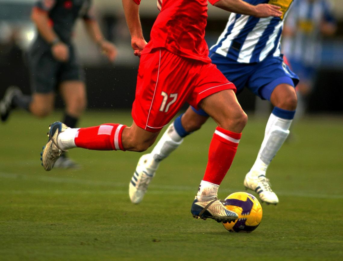 http://2.bp.blogspot.com/-1TLEhXTDj5E/T1YA1wld-GI/AAAAAAAAciY/Drs8b5ci86U/s1600/Football+(13).jpg