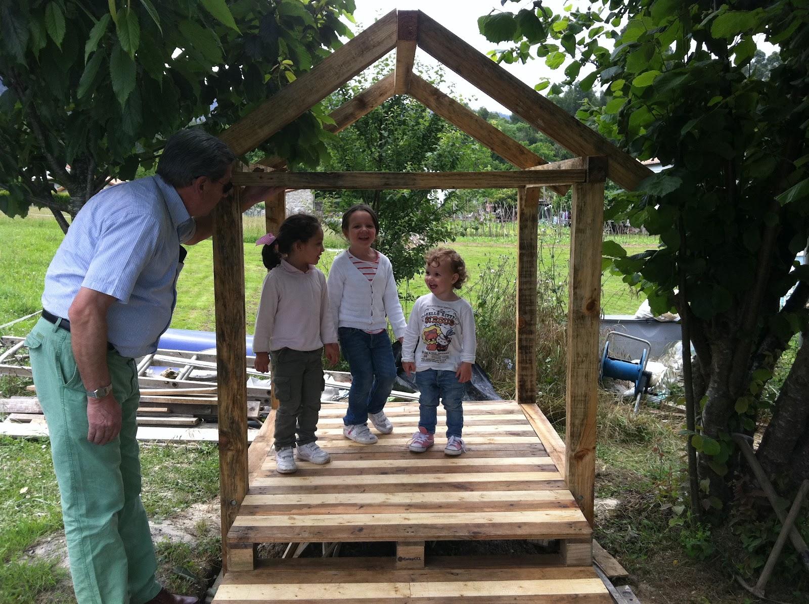 De bebes como construir una casita infantil de madera for Como construir una casita de madera