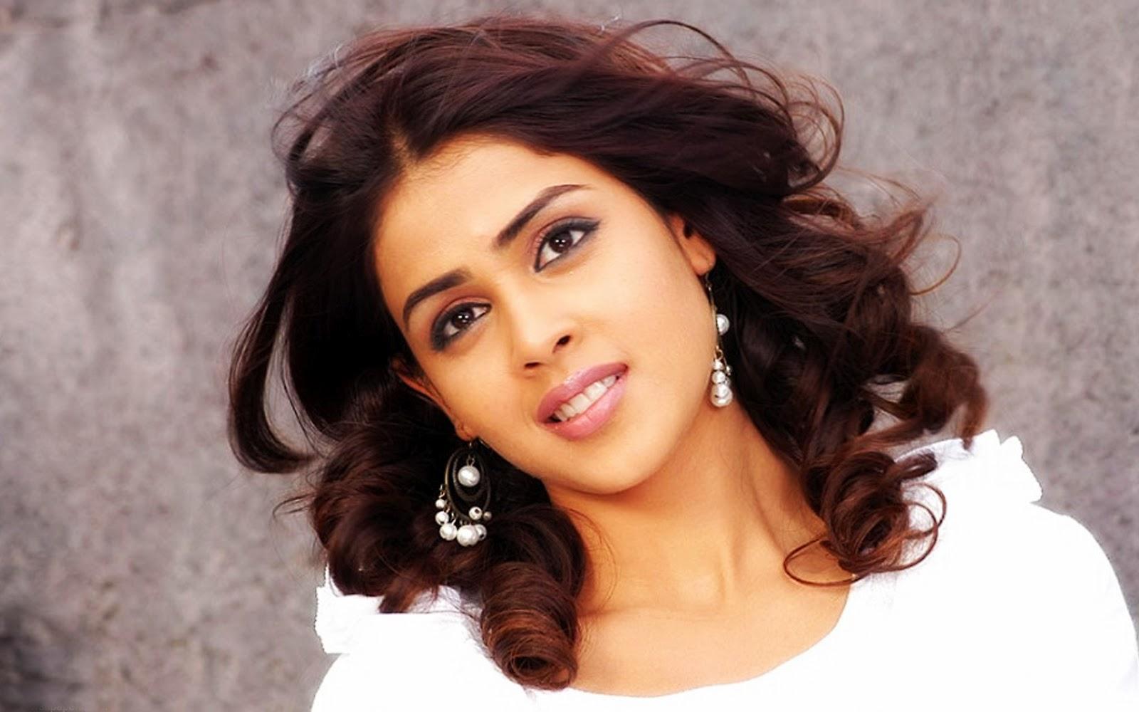 hot genelia d souza hd wallpapers sexy bollywood actress genelia d