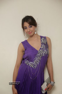 Actress-Sanjana-New-Stills