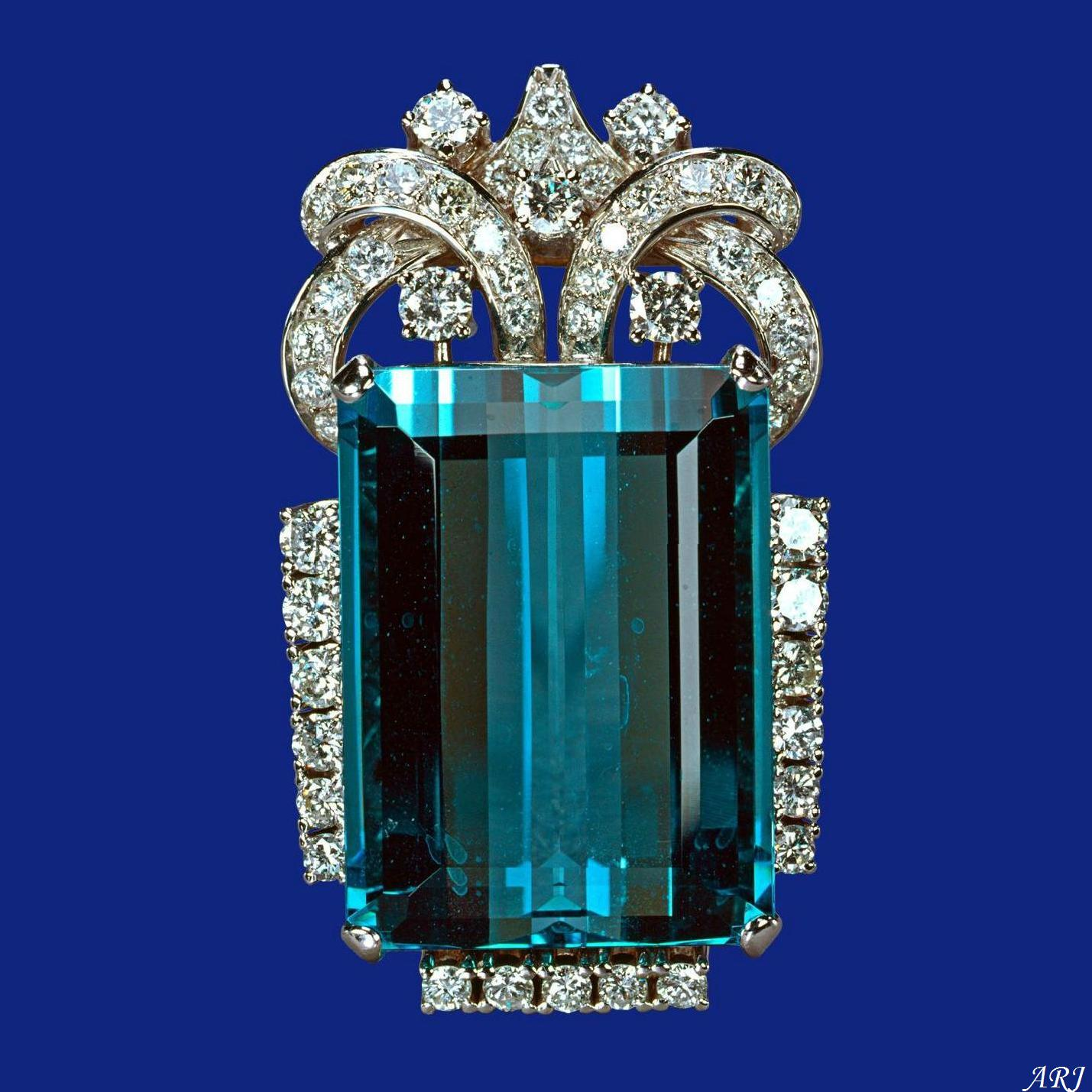 artemisia brazilian jewels queen jewel british the royal aquamarine brooch queens s