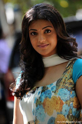 Kajal Agarwal Glamour Girl Wallpaper