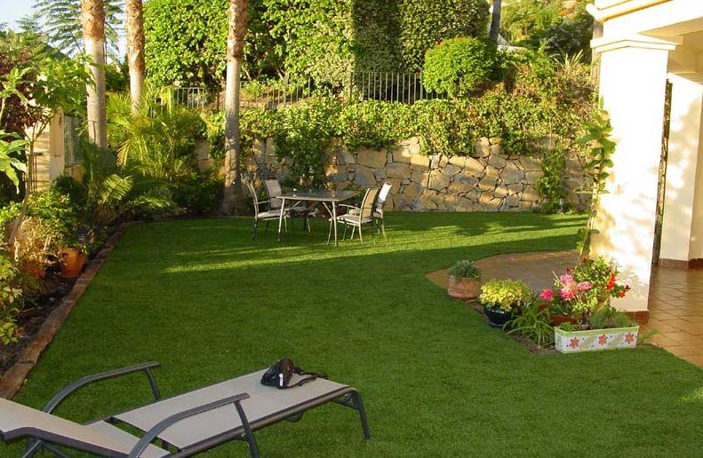 Arte y jardiner a situaci n y dise o del jard n sombras Decoracion de patios pequenos con pileta