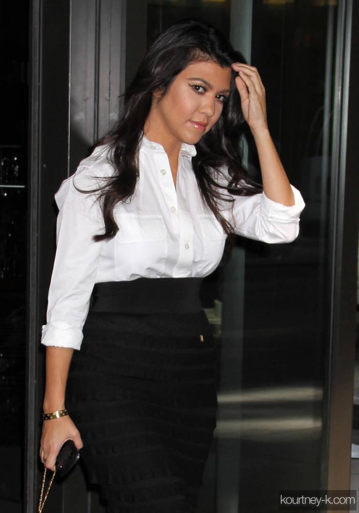 White blouse Photo 9