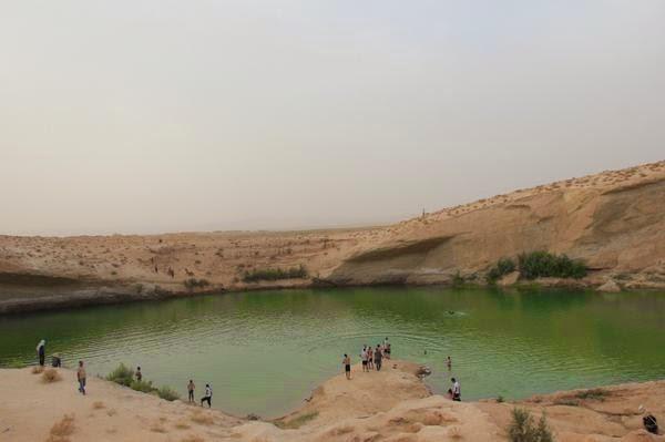 Mysterious lake in Tunisian desert