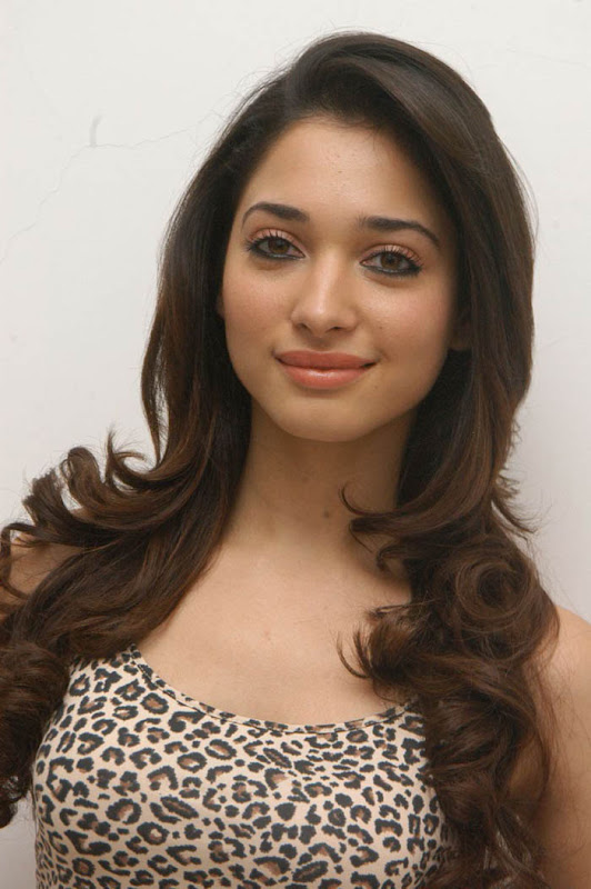 Tamanna latest hot stills hot photos