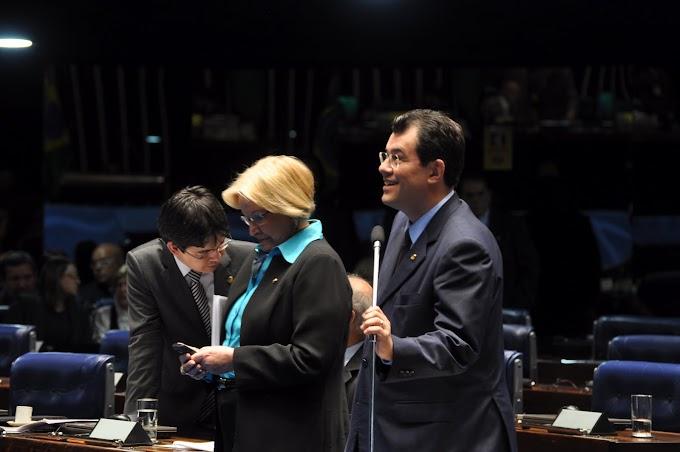 Líder do Governo faz balanço das matérias aprovadas no Senado no 1º semestre de 2012