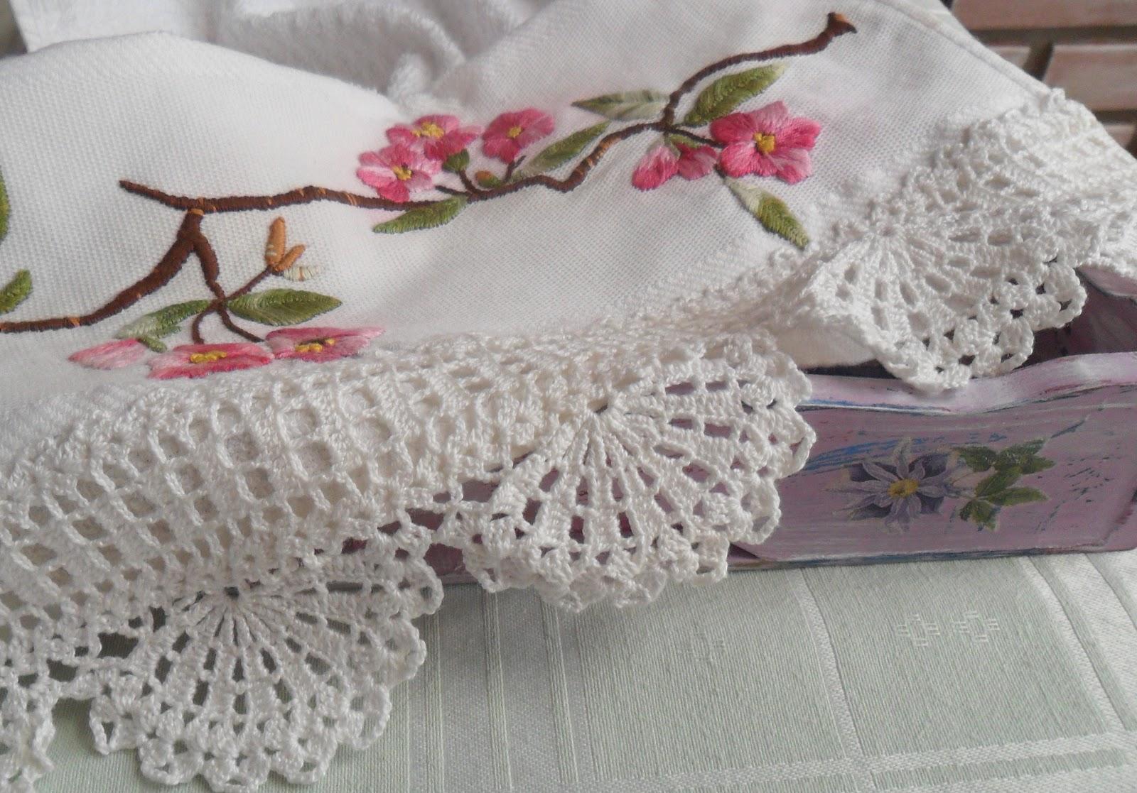 Artesanato: Pano de copa com ramos de flores - Bordado livre e croche ...