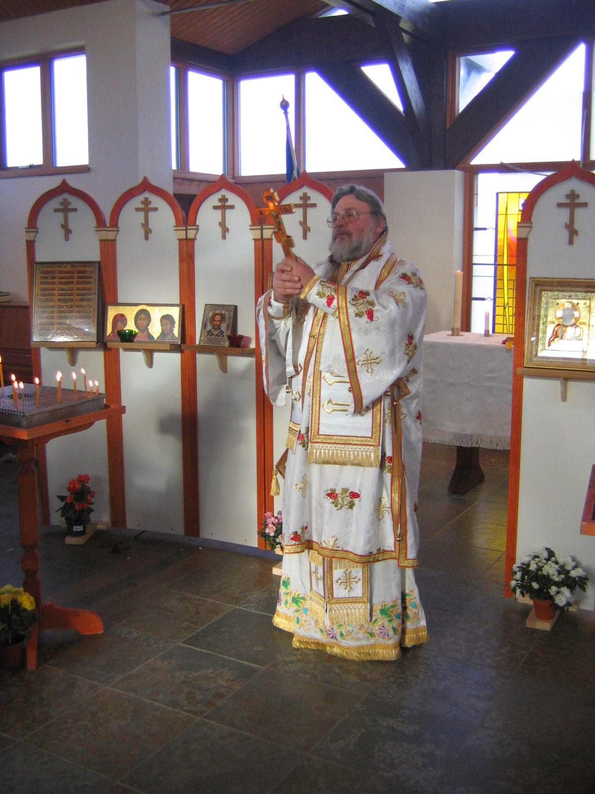 Архиепископ Клинский Лонгин в Рейкьявике, в Фридрикскапелле 27 февраля 2005 года.