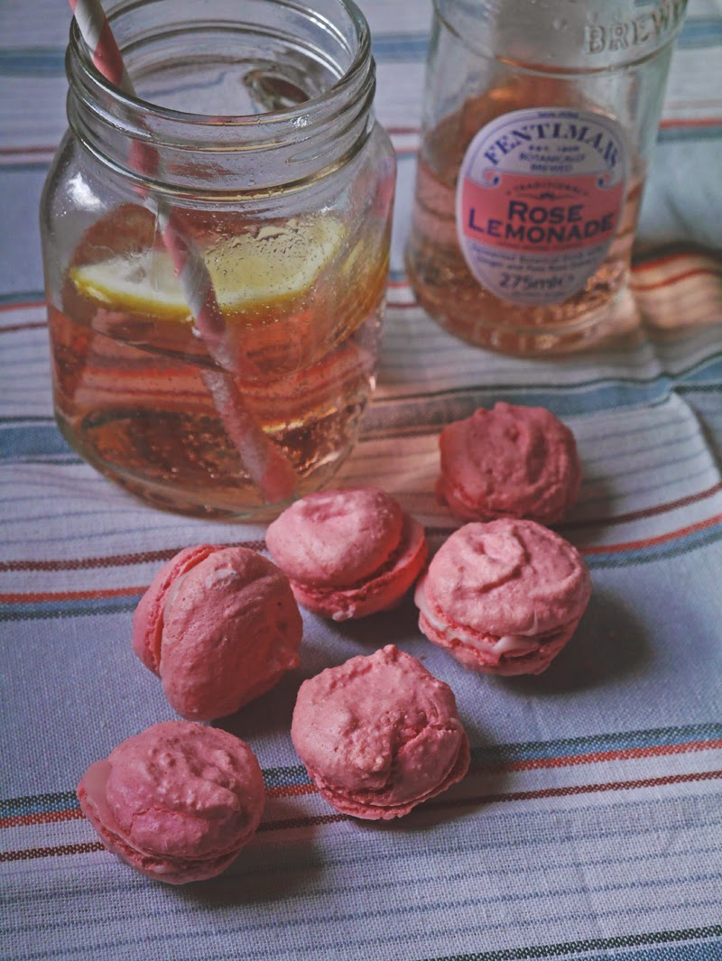 Rose gin macarons recipe