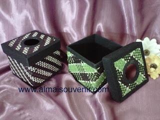 souvenir box tisu eksklusif, souvenir pernikhana eksklusif, souvenir nikah, souvenir tempat tisu