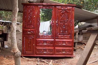 Muebles de cedro rojo veracruz roperos tallados y sencillos for Muebles de sala tallados en madera