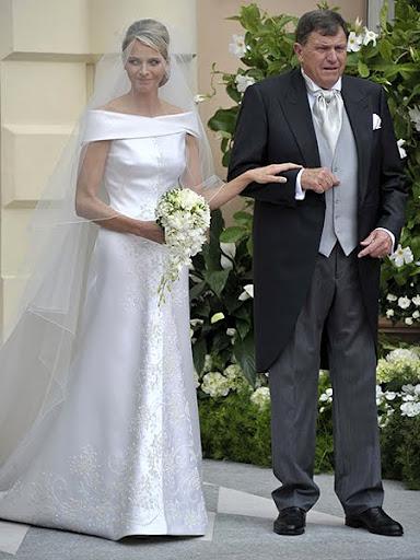 Булчинската рокля на Шарлийн - творение на Джорджо Армани