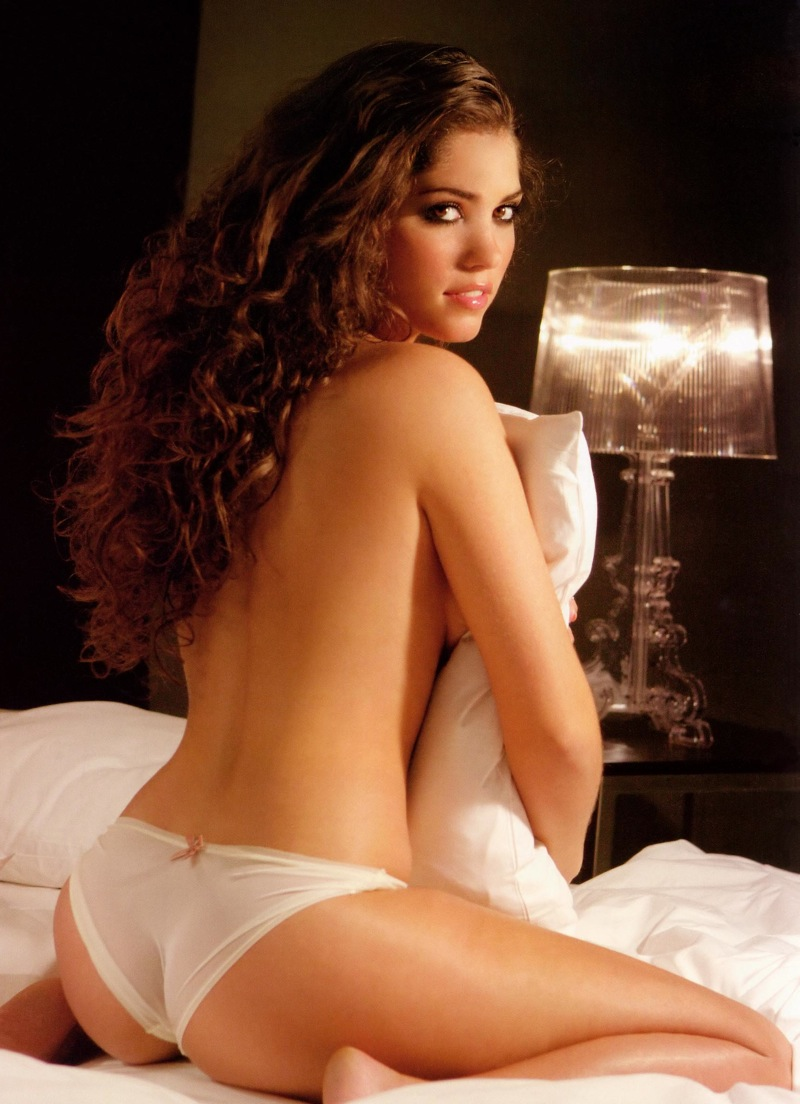 Yolanthe Sneijder-Cabau Hot Nude Photos 24