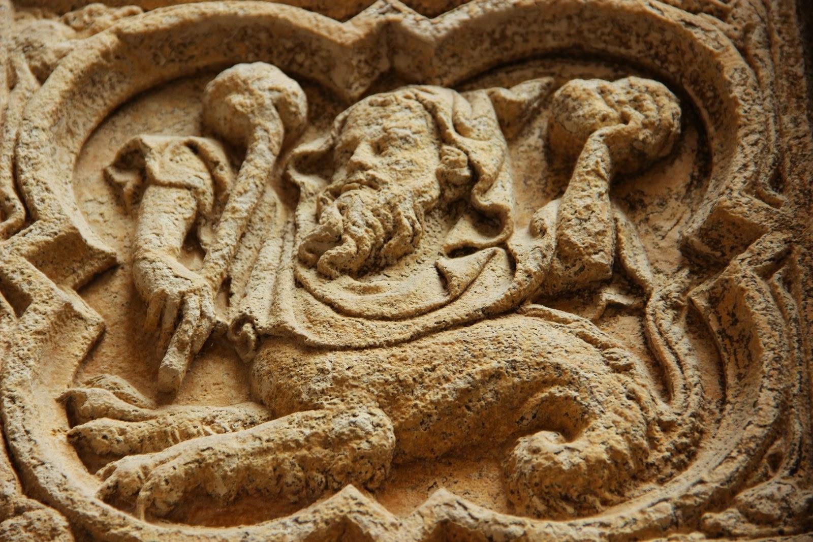 la normandie en photographie l 39 homme lion bas reliefs du portail nord cath drale de rouen. Black Bedroom Furniture Sets. Home Design Ideas