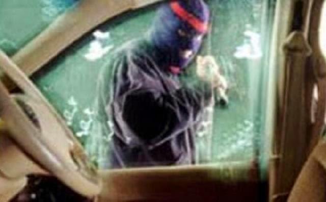 Pecahin Kaca Mobil, Pencuri Gasak Uang Rp130 Juta