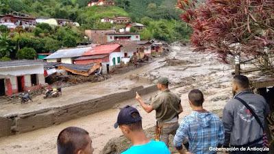 AL MENOS 61 MUERTOS EN AVALANCHA DE LODO EN COLOMBIA