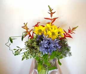 Cắm hoa trang trí phòng khách 08