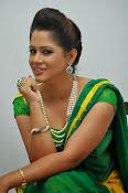 Shilpa chakravarthy sizzling photos-thumbnail-6