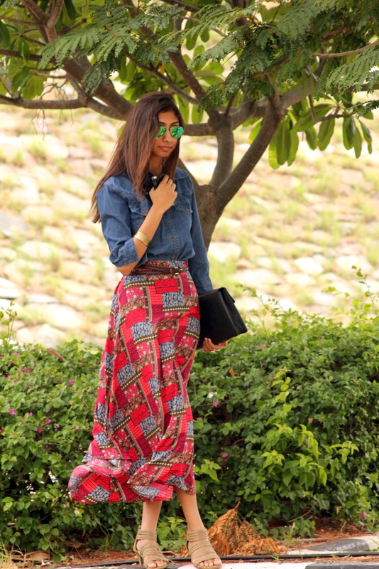koovs envelope clutch, green rayban reflectors, forever21 red maxi skirt, denim shirt, indian fashion blogger, top indian fashion blogger, hyderabad fashion blog, how to style maxi skirt
