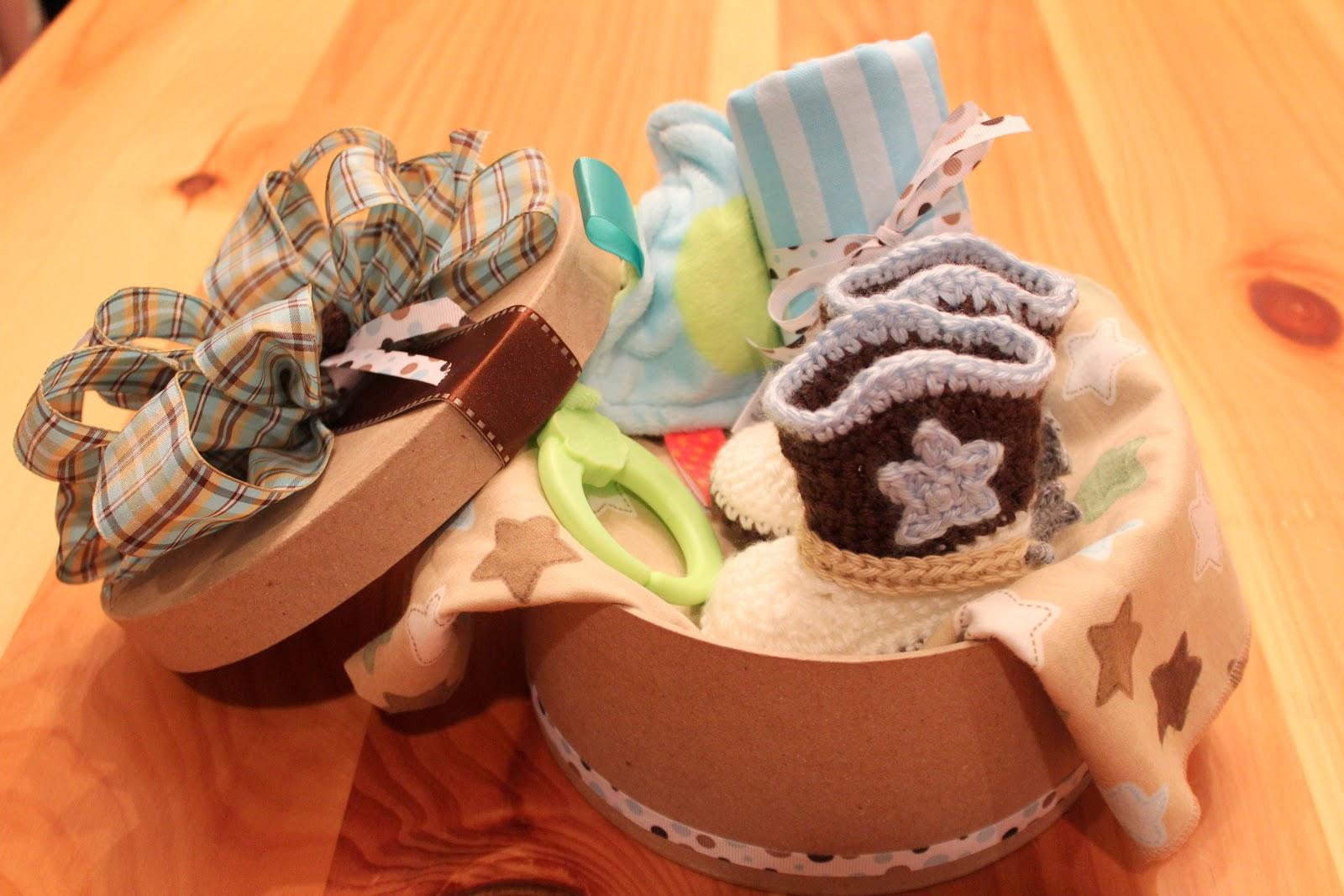 Cro-Shayley hace un sombrero de vaquero recién nacido y botas | Blog del corazón rojo