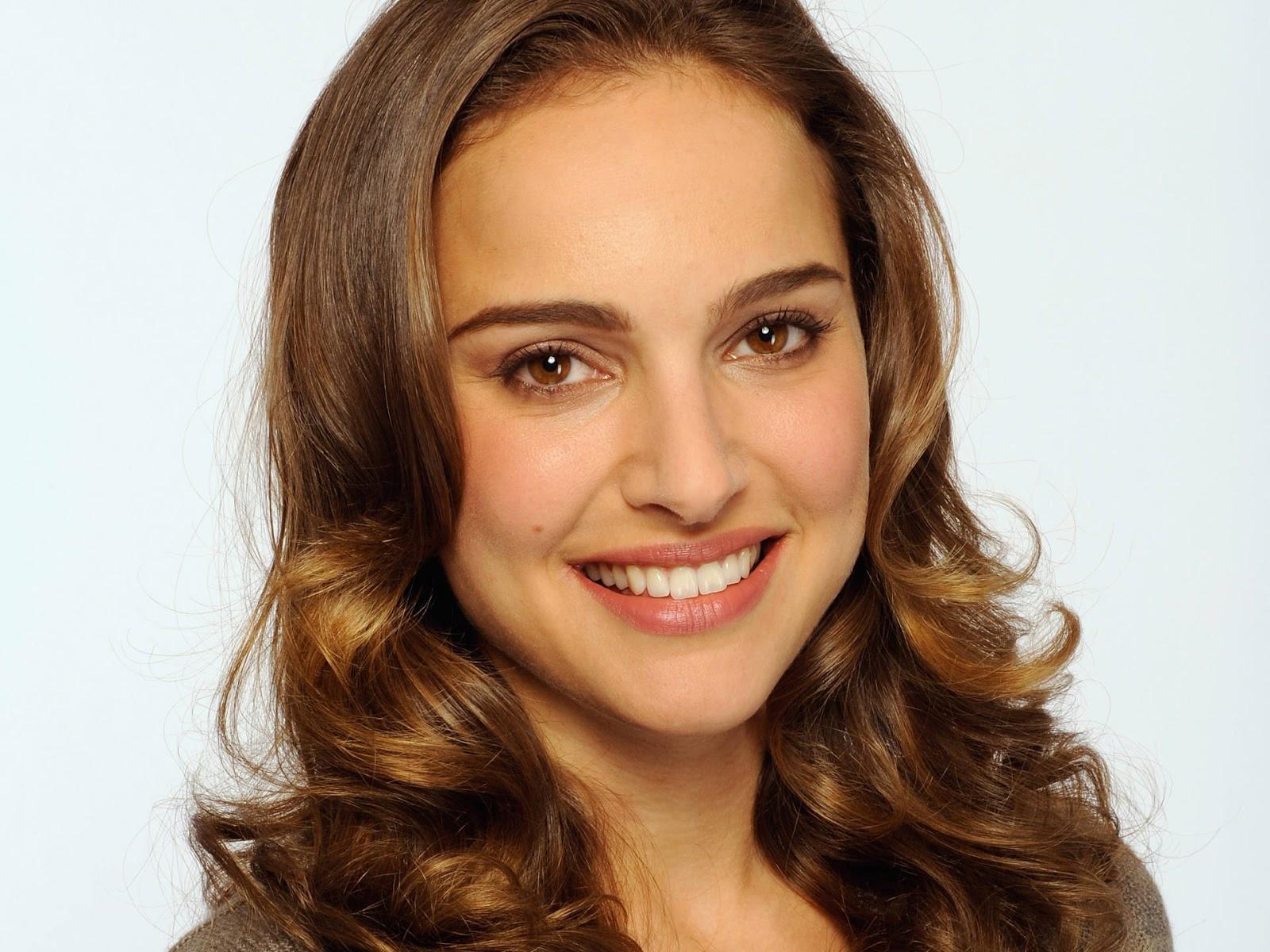 Natalie Portman Cute HD Wallpaper