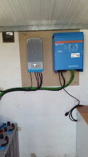 inversor inverter cargador charger regulador mppt epsolar victron energy multiplus 24V 5000VA 60A 120A 100A TAB JINKO SOLAR 255Wp BAINWATT