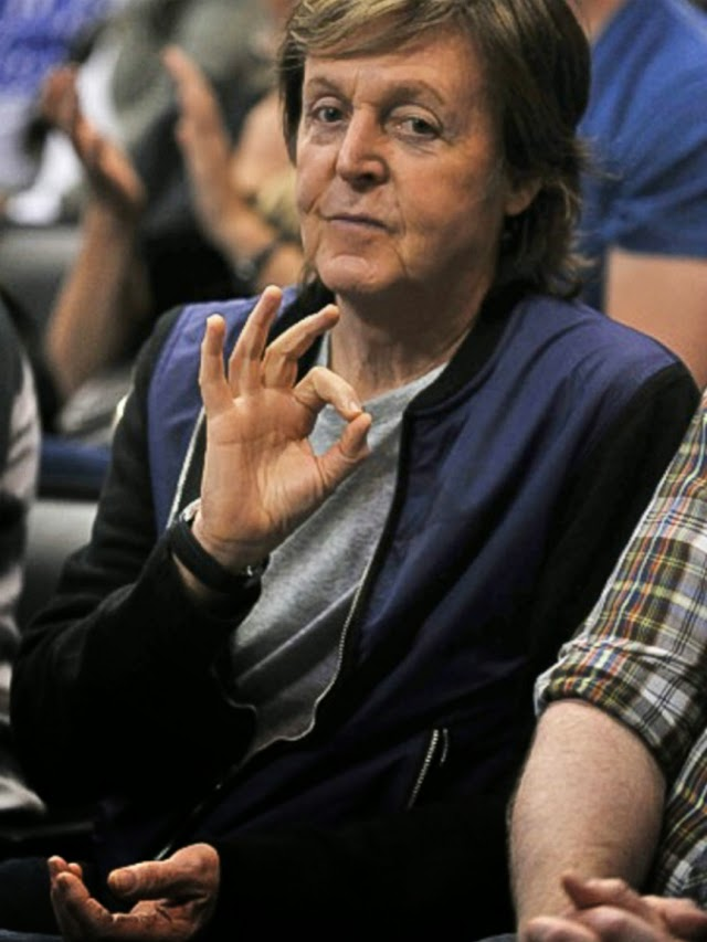Paul McCartney nos muestra su lado más sexy