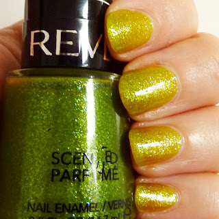 Revlon Scented Nail Polish in Apple-tini Fizz