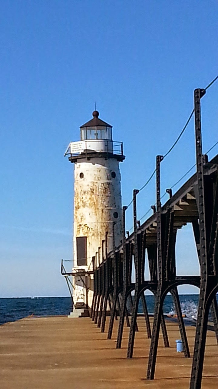 Manistee Pier, City of Manistee, Manistee Lighthouse, Lake Michigan