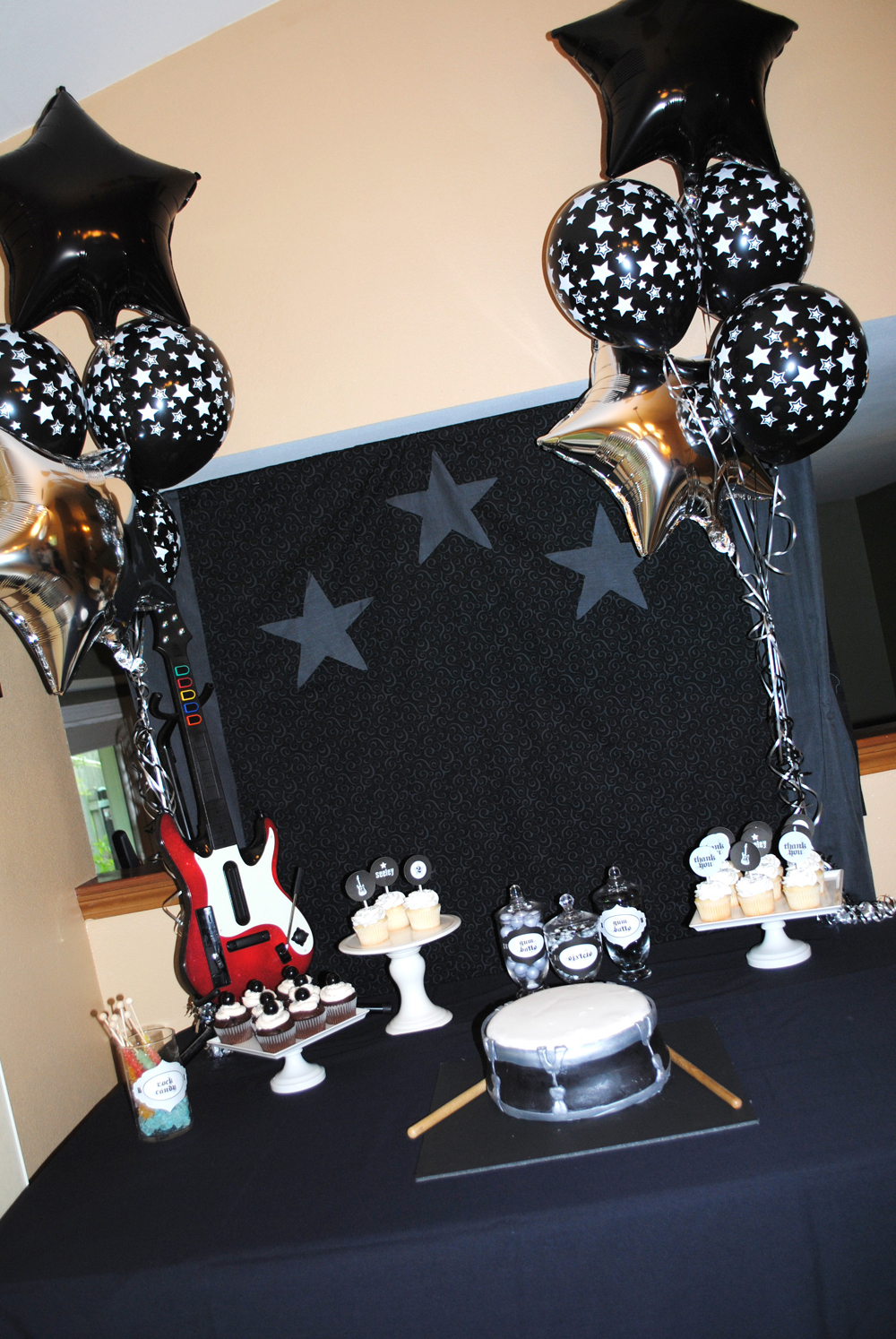 Real Parties: Rock Star Birthday Party! - Itsy BelleItsy Belle