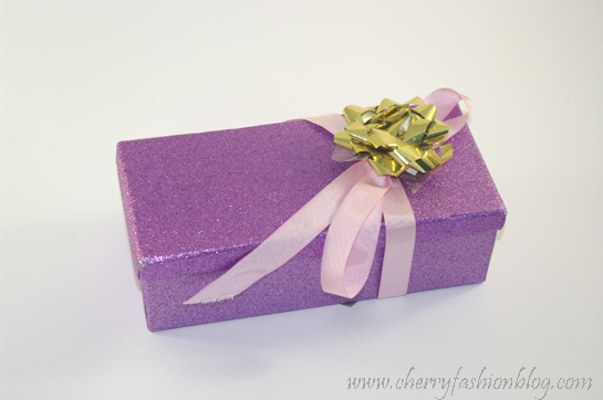 Neeny's giveaway prize, how to wrap a giveaway prize