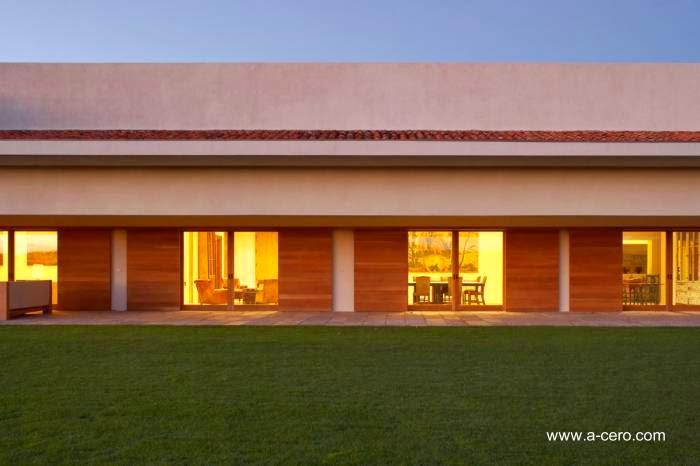 Aberturas en un ala de la residencia de Ávila