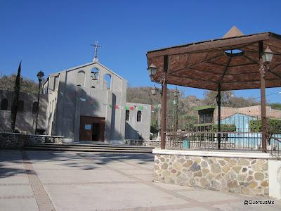 Iglesia y kiosko de Cruz Vieja, Tala