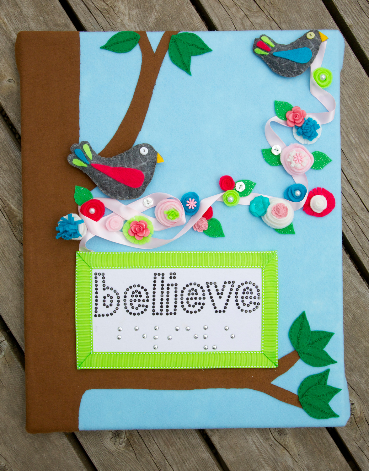 Holly 39 s arts and crafts corner craft project custom felt for Felt arts and crafts