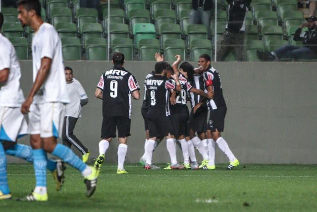 Vitória mantém o Galo na cola do Corinthians e motiva o elenco para o clássico contra o Cruzeiro, no domingo (Foto: Bruno Cantini/Atlético-MG)