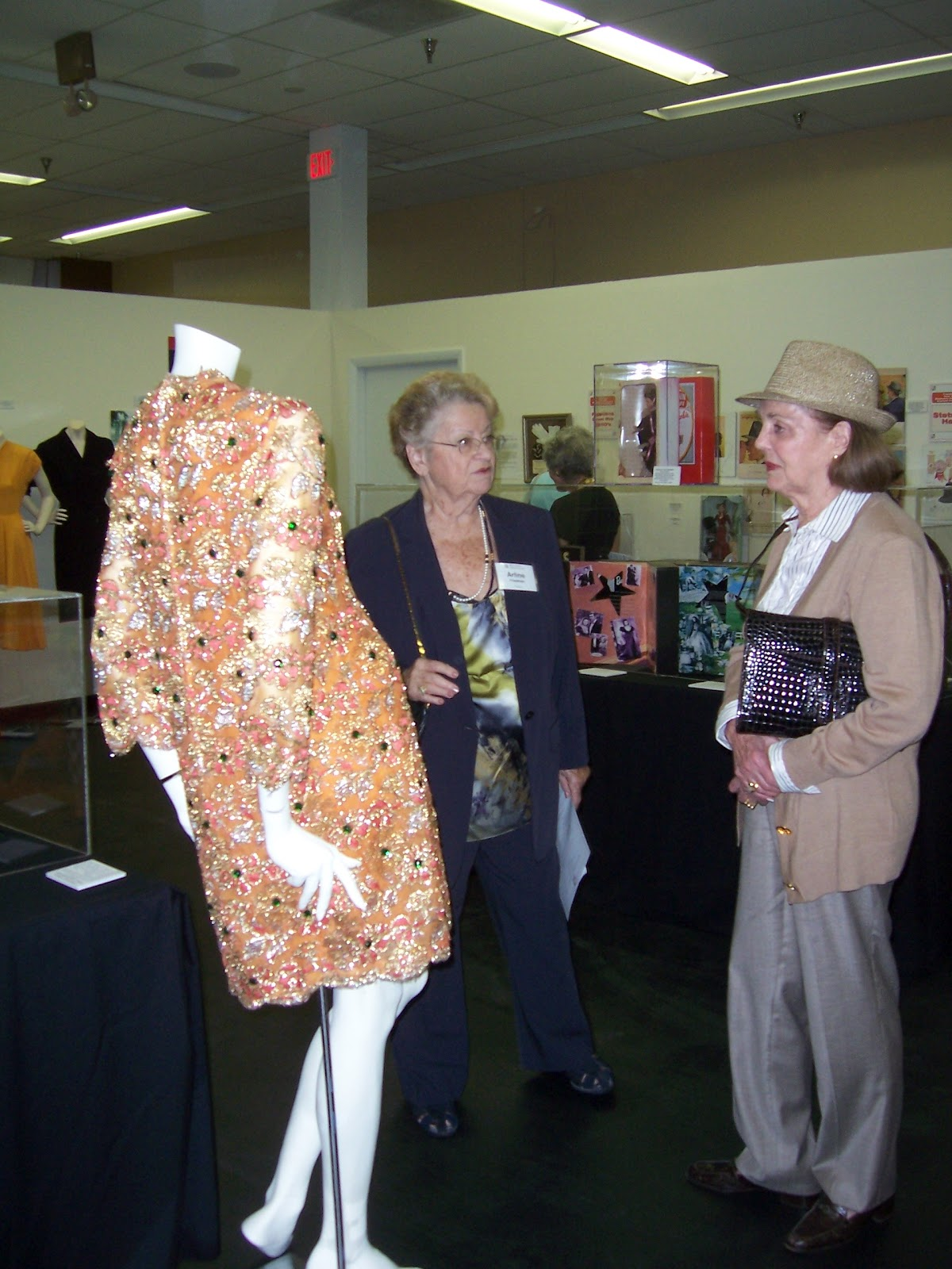 Mlfh blog boca raton museum of art trustees and auxiliary for Museum of fashion nyc