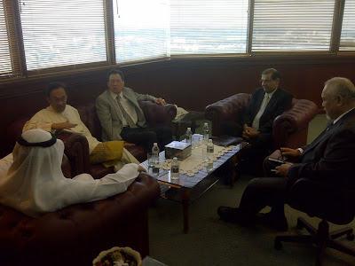 Anwar Ibrahim berada di Pejabat Penasihat Ekonomi Negeri Selangor