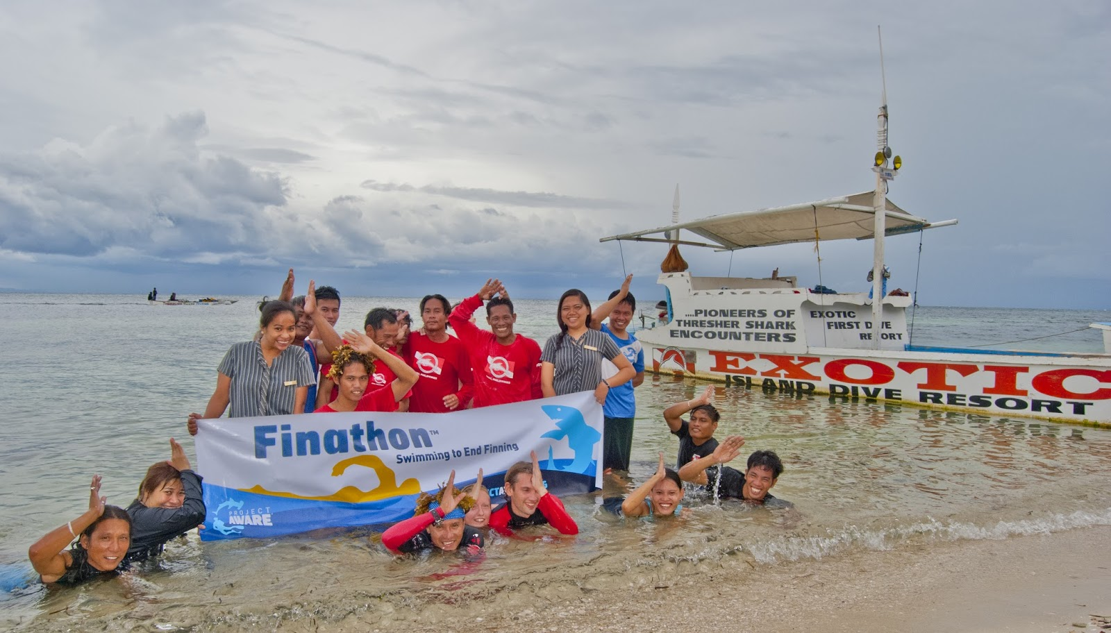 Exotic swimming to end finning! Project aware Finathon.