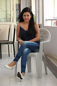 Mishti Chakraborthy latest dazzling pics-thumbnail-9