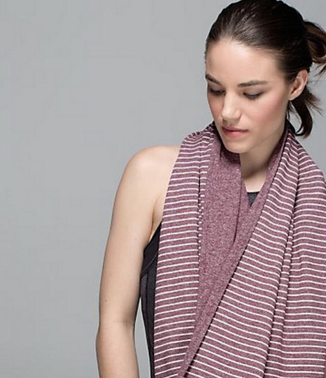 http://www.anrdoezrs.net/links/7680158/type/dlg/http://shop.lululemon.com/products/clothes-accessories/women-seasonal-accessories/Vinyasa-Scarf-II?cc=17438&skuId=3590087&catId=women-seasonal-accessories