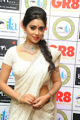 Shriya Saran latest pics at Gr8 Women Awards-thumbnail-9