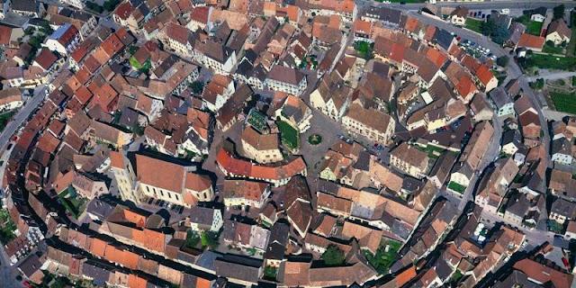 [Image: Eguisheim+4.jpg]