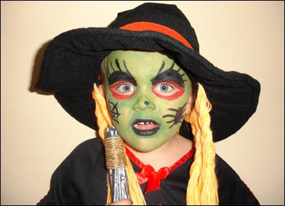Halloween maquillaje para ni o o ni a trucos de mujer for Como pintarse de bruja guapa